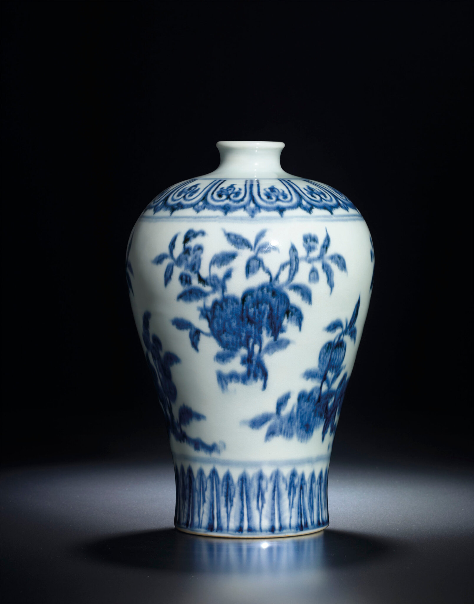 A Fine Early Ming Blue and White Vase, meiping, Yongle period (1403-1425)