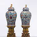 A massive pair of mexican market verte-imari jars and covers, kangxi period (1662-1722)