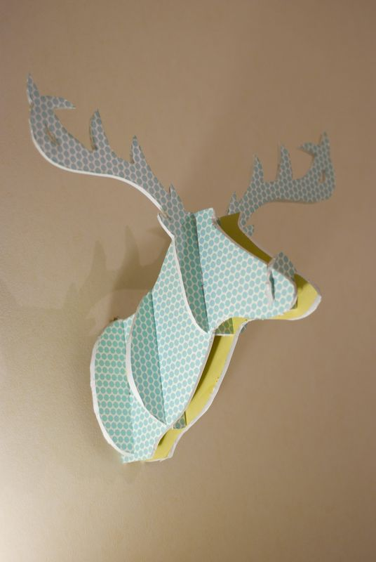 diy fun cardboard deer head comment cr er une t te de. Black Bedroom Furniture Sets. Home Design Ideas