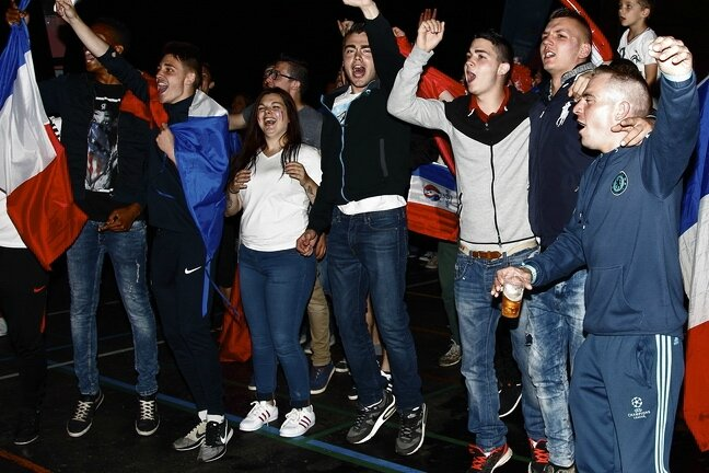 FRANCE EIRE 2016 RETRANSMISSION CARPENTIER groupe supporters