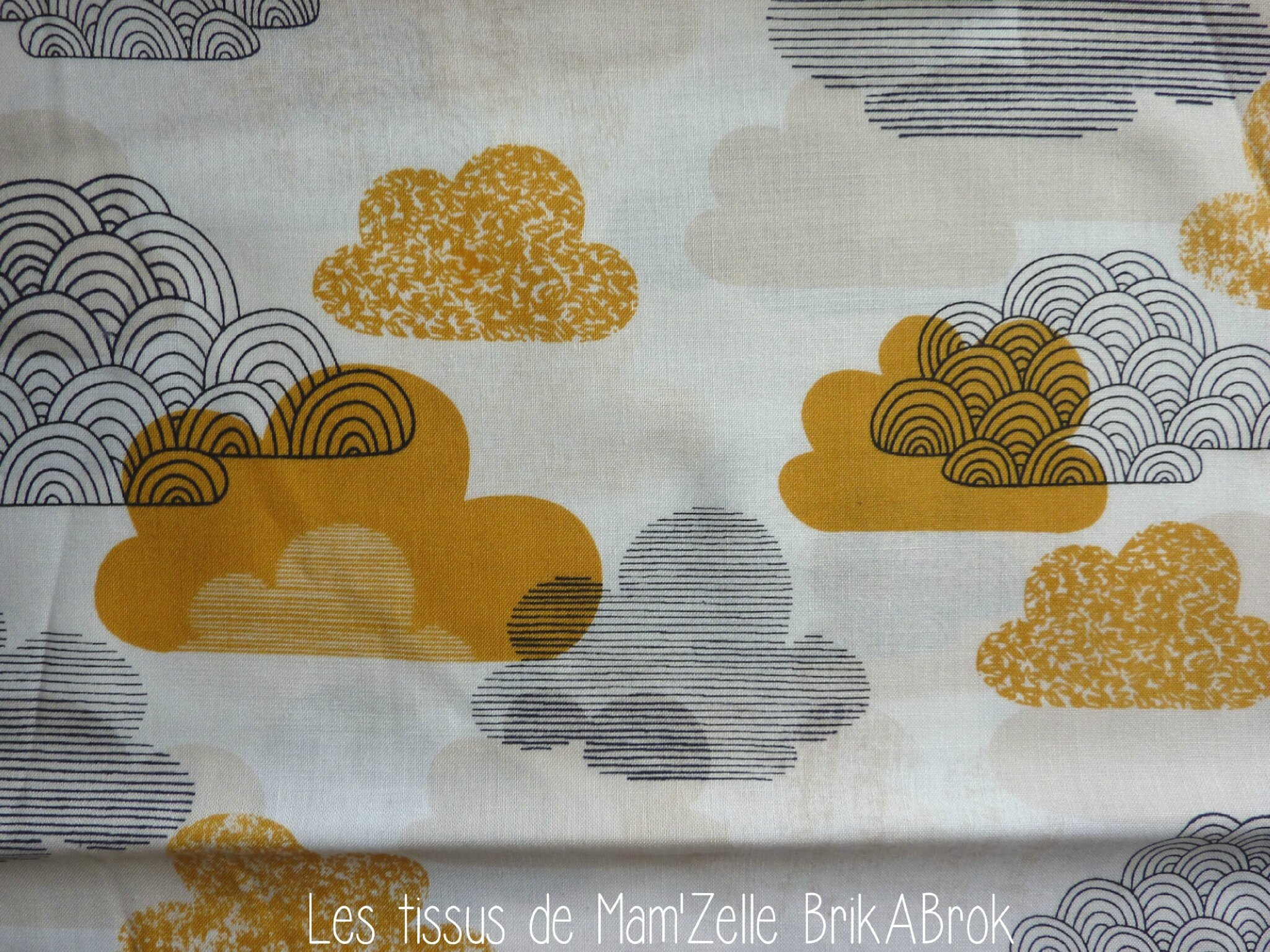 437 - Nuages Gris Moutarde BIO