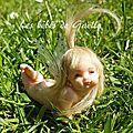 943 - petite fée dans son globe ( vendu )