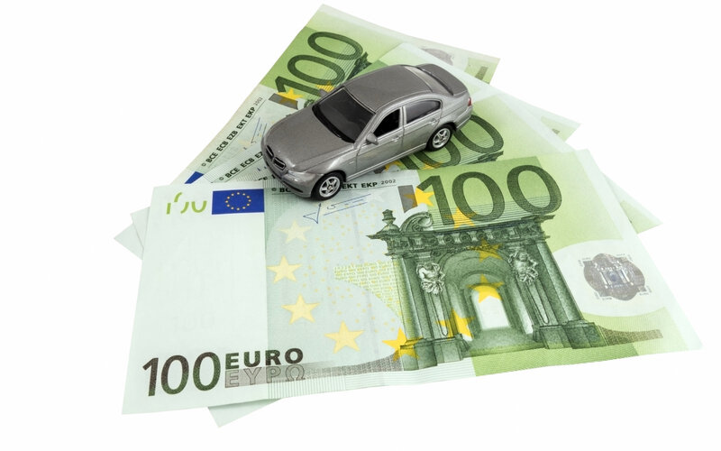 116161-bigstock-car-on-money-cash-92498285