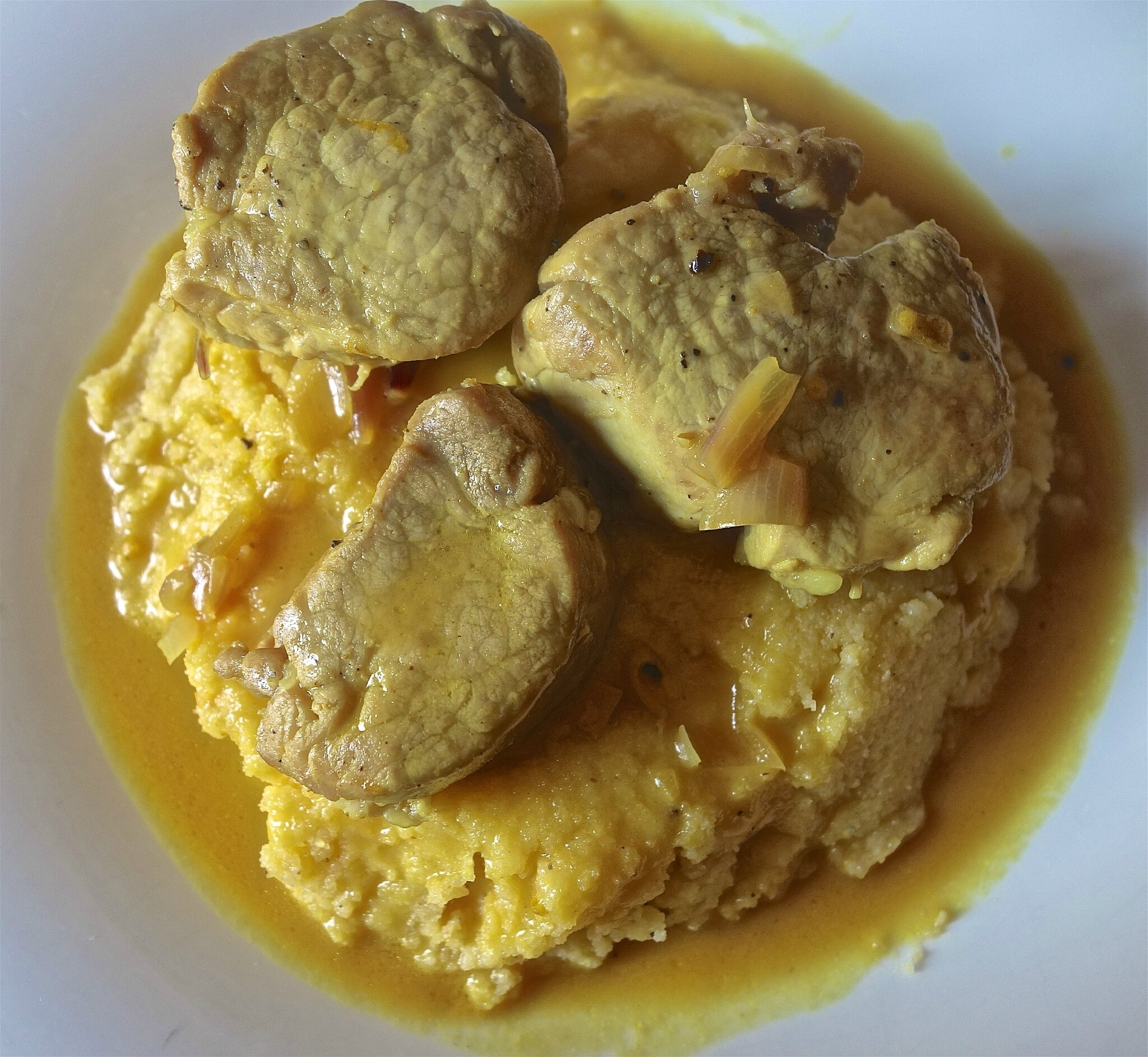 filet mignon de porc à l'orange et au curcuma
