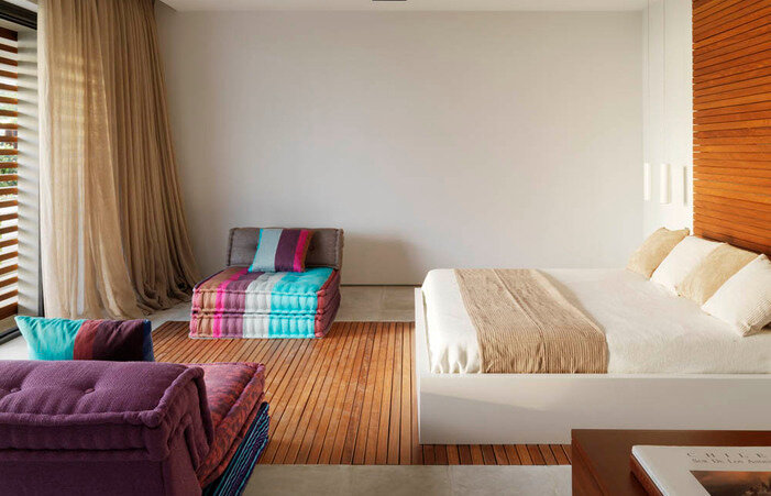 pure-white-house-in-almuecar-granada-susanna-cots-interior-design_single-bedroom-701x451