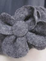 Chapeau AGATHE en laine bouillie gris moyen chiné avec fleur - Doublure coton uni noir - taille 58 (3)