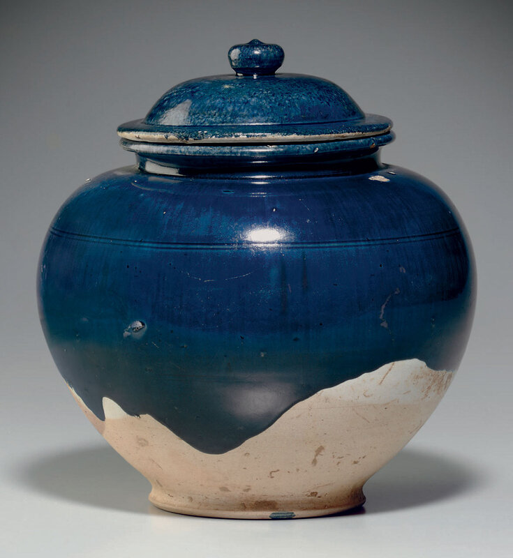A blue-glazed pottery jar and cover, Tang dynasty (618-907)