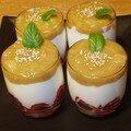 Fromage blanc, fraises et rhubarbe
