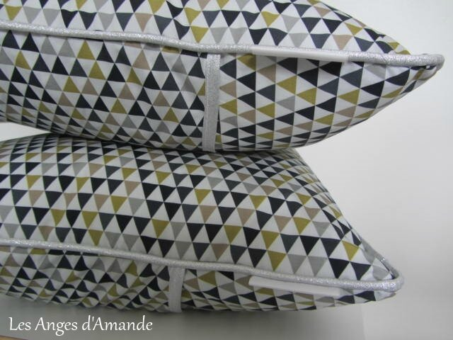 coussins triangles4