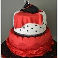 wedding cake rouge, noir et blanc Nimes