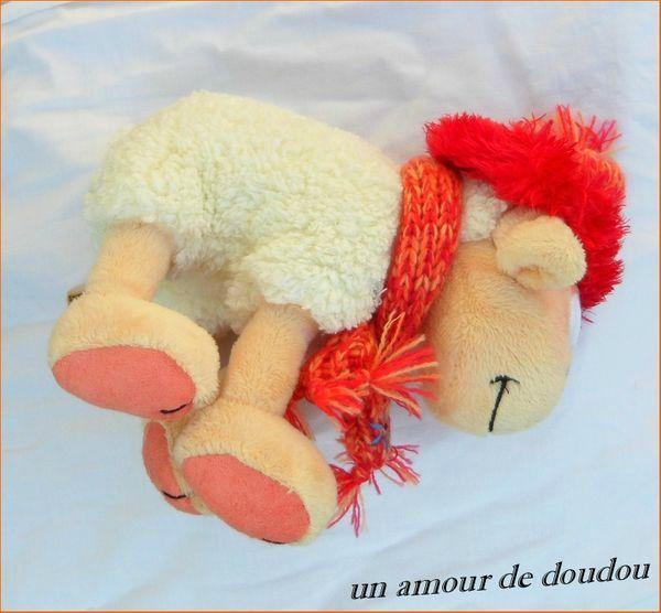 Doudou Mouton Diddl Vanillivi Bonnet Echarpe Tricotés Couleur Rouge Orange Fleur Brodée Bleue Depesche