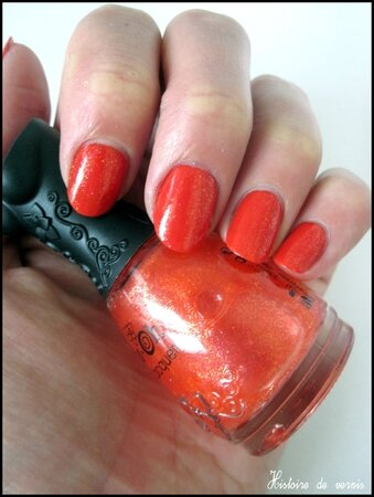swatch rouge pailleté NFU OH 3