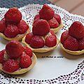 Tartelettes fraises et rhubarbe d'amano ichigo