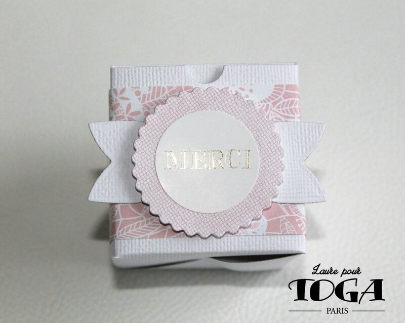 BOITE DRAGEES ROSE BLANC OR DT TOGA LAURE