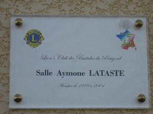 25 Plaque en l'honneur d'Aymone Lataste