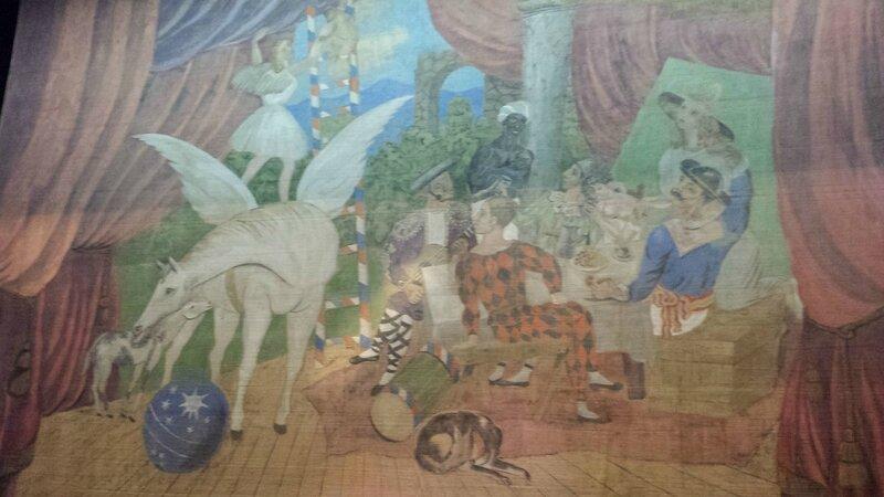 """Rideau de scène du ballet """"Parade"""" (1917) peint par Picasso"""