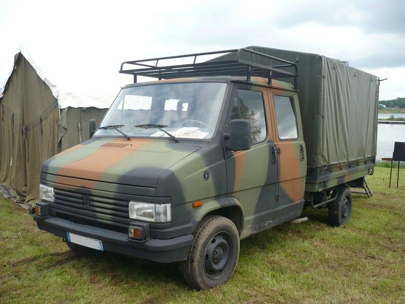 PEUGEOT J5 double cabine plateau à ridelles baché militaire Madine (1)