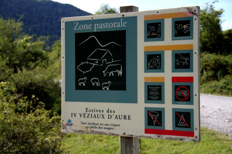 ATTENTION : ZONE PASTORALE!