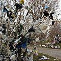 1970 - 750 milliards de sacs plastiques dans la nature