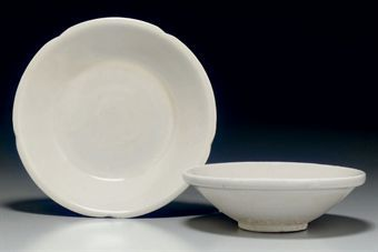 two_xingyao_shallow_dishes_late_tang_song_dynasty_10th_century_d5347993h