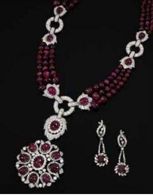 collier_broche_en_rubis_et_diamants_des_ann_es_1970
