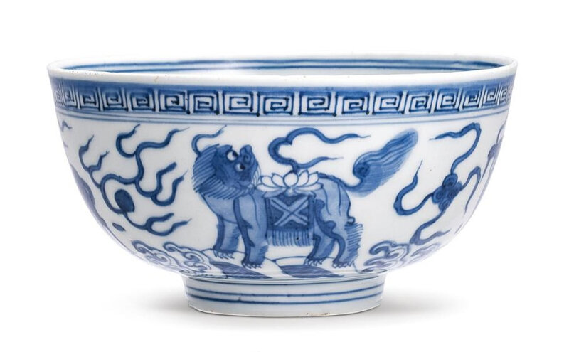 A blue and white 'mythical beast' bowl, Late Ming – early Qing dynasty