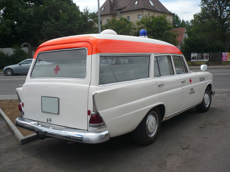 MERCEDES 190C W110 ambulance 1964 Ludwigsburg (2)