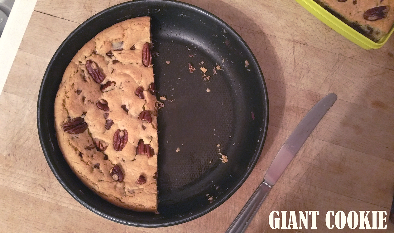 Le Giant Cookie