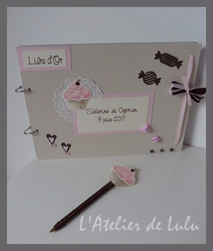livre d'or et stylo gourmandise cup cake