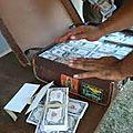 La valise mystique multiplicateur de billet de banque