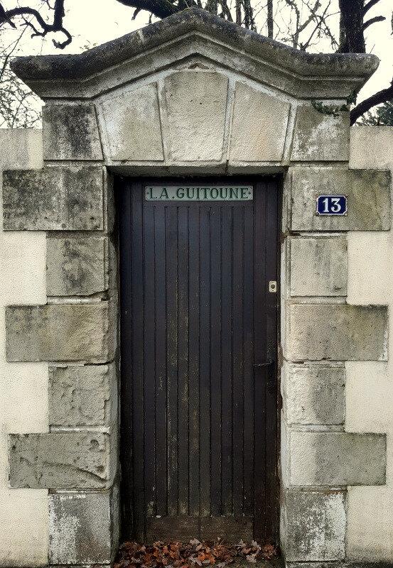 Derrière cette porte, il y a...