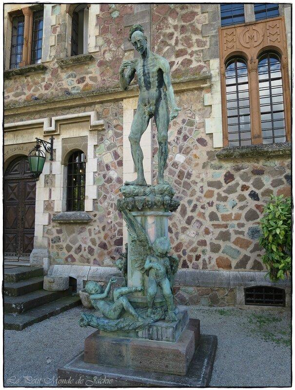 Sculpture entrée
