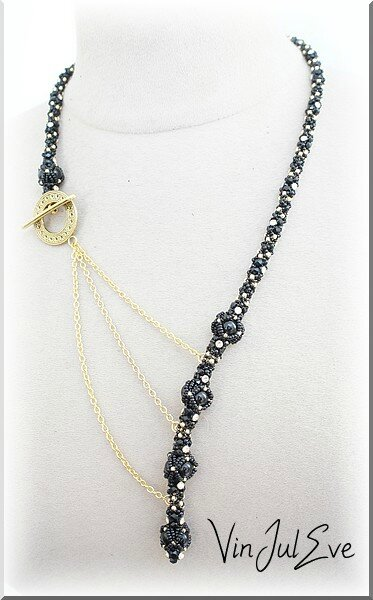 collier Iva noir or