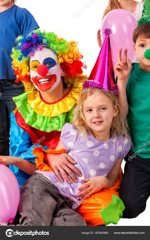 depositphotos_187642664-stock-photo-birthday-child-clown-playing-with