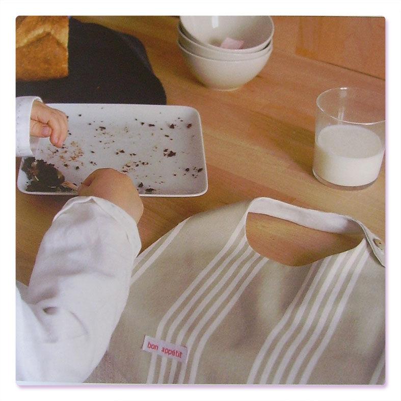 22-la serviette de table boutonnée sur le côté (exclusivité)