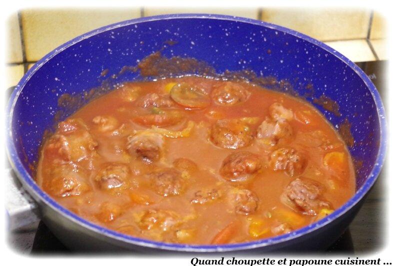 spahettis et saucisse de Toulouse en sauce tomates-7086