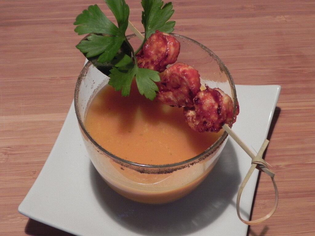 Verrine de potage Crécy et ses crevettes épicées, sans gluten et sans lactose