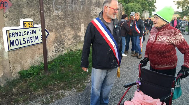 Photo-Germaine-89ans-sur-les-barricades-contre-le--GCO