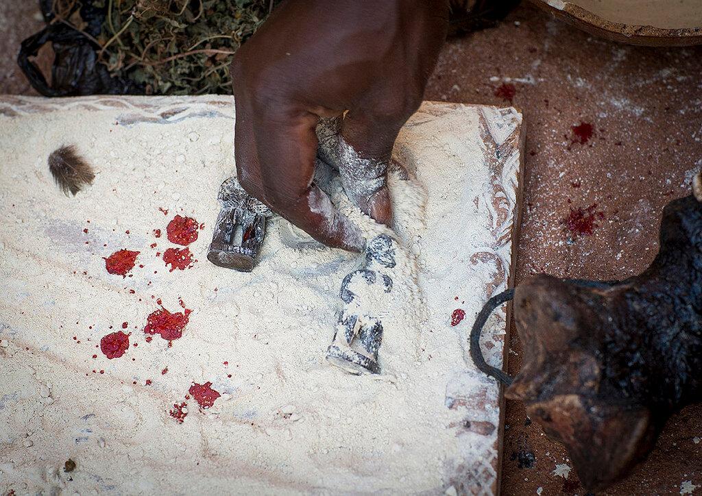 RÉUSSI UNE BONNE CONSULTATION EN GÉOMANCIE GRACE AU PUISSANT MARABOUT AFRICAIN SIDI BABA