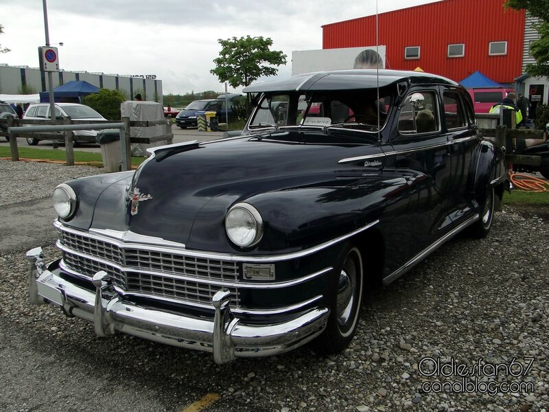chrysler-windsor-4door-sedan-1946-1948-1