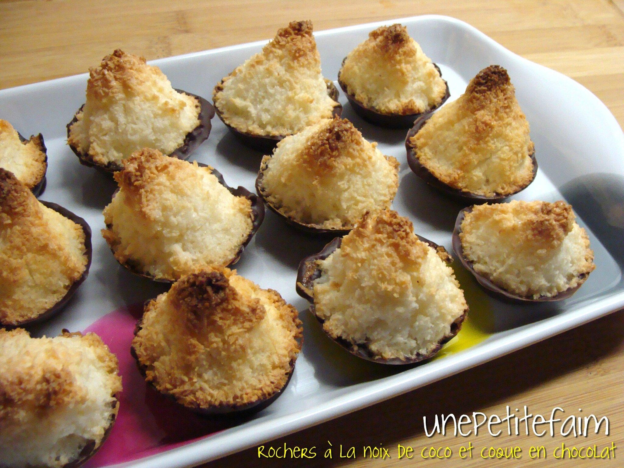 Rochers à la noix coco enrobés d'une coque en chocolat