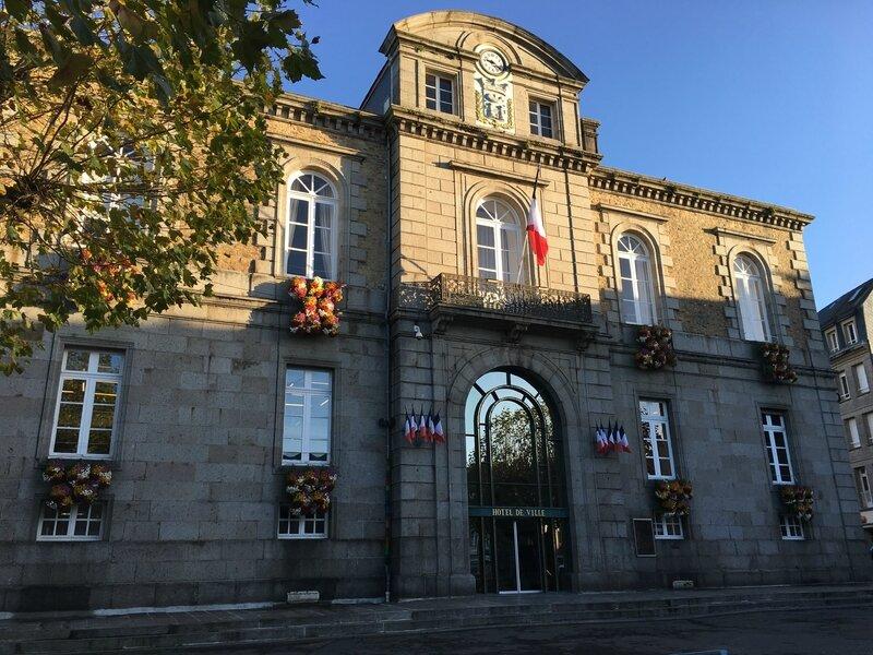 Avranches-hotel de ville-mairie