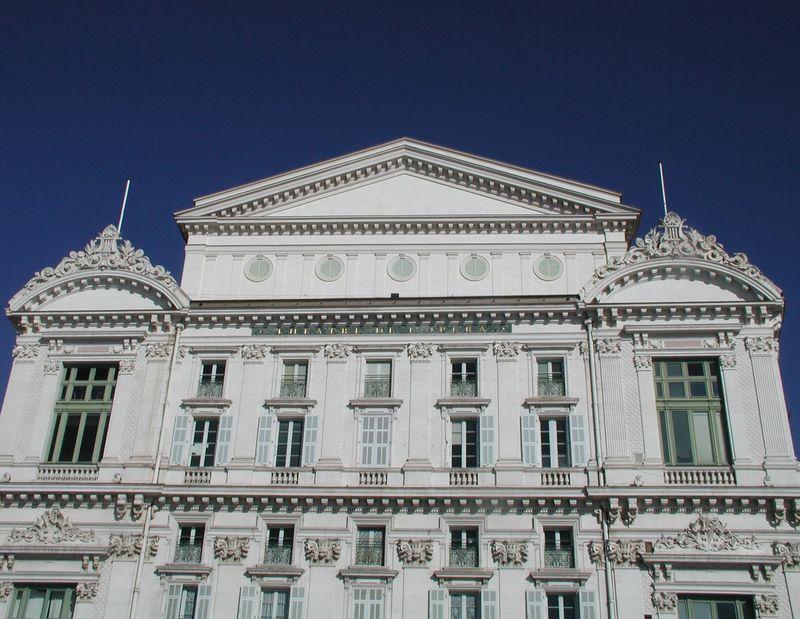 La façade de l'opéra