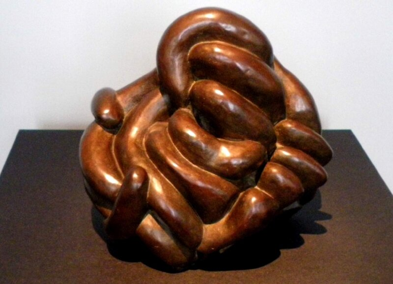Louise Bourgeois Clutching