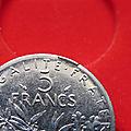 5 francs semeuse fautée frappée avec coin cassé sur listel