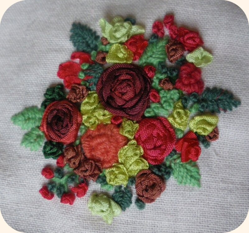 Broderie Roses