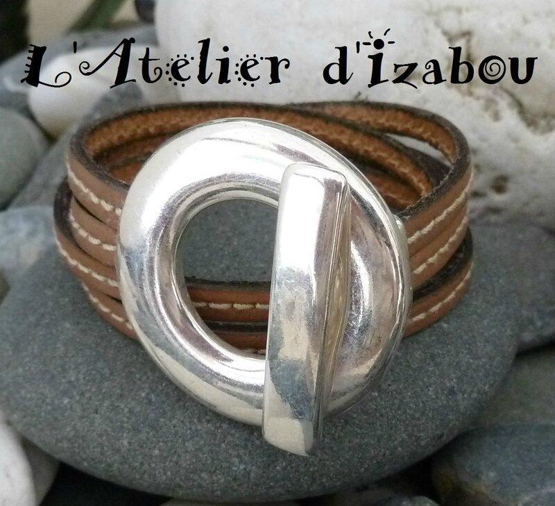 P1140319 Bracelet double tour cuir beige cousu et gros fermoir crochet rond
