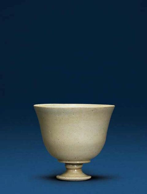 A white-glazed stem cup, Tang dynasty (618-907)
