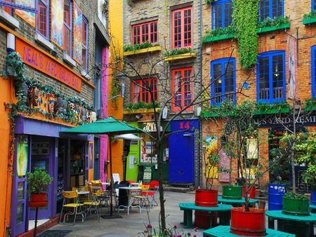 LondonColors1_NealSYard_CovenGarden
