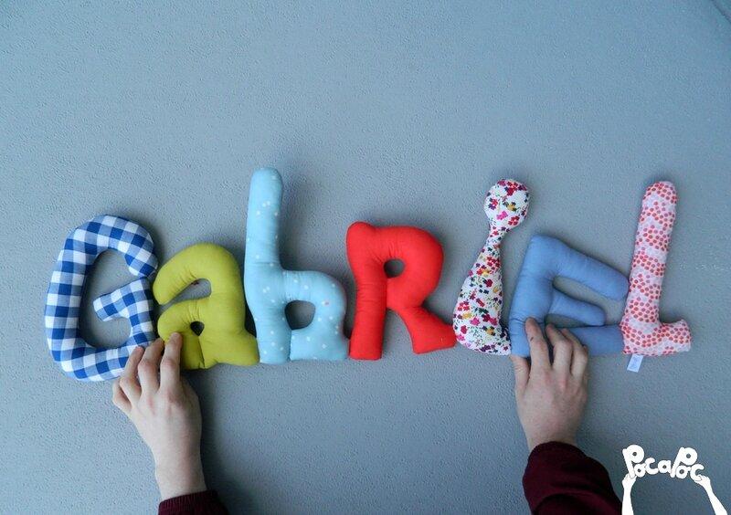 mot en tissu,mot decoratif,cadeau de naissance,decoration chambre d'enfant,cadeau personnalise,cadeau original,poc a poc gabriel blog